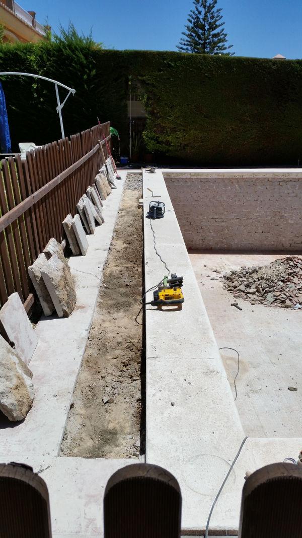 Reformas de piscinas sumipool mantenimiento de for Construccion de piscinas en malaga