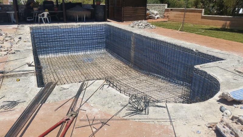 Reformas de piscinas sumipool mantenimiento de for Piscinas malaga construccion